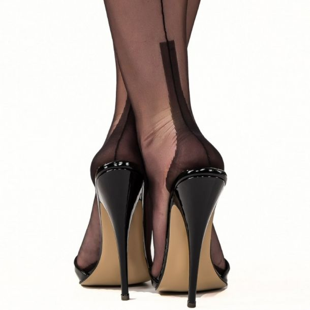 Cuban Heel Seamed Nylons - Black*