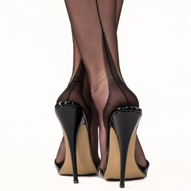 Point Heel Seamed Nylons - Black*