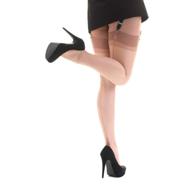 Point Heel Seamed Nylons - Natural*